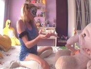 Fakings –  Toy Sextory I: El día en que a Elsa sus peluches le devolvieron los orgasmos – Arnaldo Series