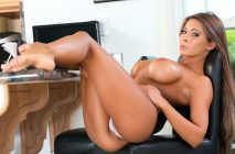 Brazzers – Sliding Into Madison's DMs – Madison Ivy