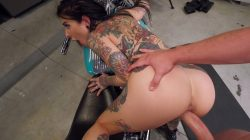 Mofos – Squirting Biker Babe Fucks The Mechanic – Joanna Angel