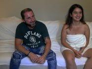 El papito y la bebita tragona. Coco y Atenea Landana Follando a ciegas